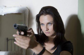 Anna Safroncik in una scena della seconda stagione della serie Il commissario Manara