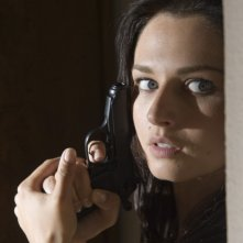 Anna Safroncik in una tesa scena della seconda stagione della serie Il commissario Manara