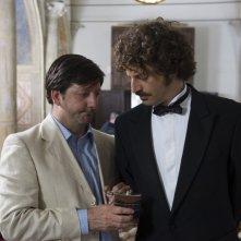 Augusto Fornari e Guido Caprino nell'episodio Matrimonio con delitto della serie Il commissario Manara