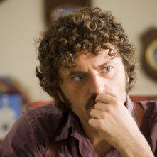 Guido Caprino nella seconda stagione della serie Il commissario Manara