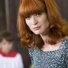 Jane Alexander in una scena dell'episodio Matrimonio con delitto della serie Il commissario Manara