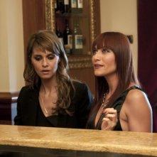 Anna Foglietta accanto a Paola Cortellesi nel film Nessuno mi può giudicare