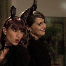 Anna Foglietta con Paola Cortellesi nel film Nessuno mi può giudicare