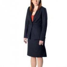 Katherine Parkinson è Jen in una immagine promozionale della stagione 4 di IT Crowd