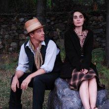Lara Guirao e Fabrizio Rizzolo in una scena di Le stelle inquiete