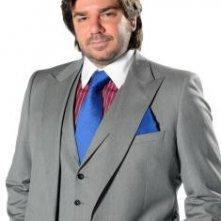 Matt Berry è Douglas in una foto promozionale della stagione 4 di IT Crowd
