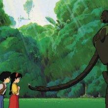 Pazu e Sheeta in una tenera scena del film d\'animazione Laputa: castello nel cielo