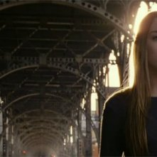 Saoirse Ronan in un'inquietante immagine di Violet & Daisy