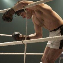 Luca Argentero impersona il campione di boxe Mitri