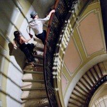 Matt Damon ed Emily Blunt in una scena del film I guardiani del destino