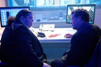Jorge Garcia con John Noble nell'episodio Os di Fringe