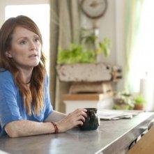 Julianne Moore in una scena del film I ragazzi stanno bene.