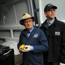 David McCallum e Brian Dietzen in una scena dell'episodio Defiance di NCIS