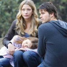 Jason Ritter e Sarah Roemer nell'episodio And Then There Were More di The Event