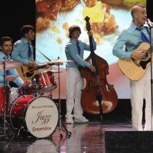 John Stamos e Mark Salling nell'episodio Sexy di Glee