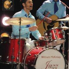 John Stamos nell'episodio Sexy di Glee