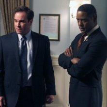 Roger Bart e Blair Underwood nell'episodio Inostranka di The Event