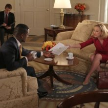 Virginia Madsen e Blair Underwood nell'episodio And Then There Were More di The Event