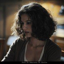 Ana Caterina Morariu nell'episodio L'età del dubbio de Il commissario Montalbano