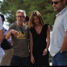 Belen Rodriguez e Alberto Sironi sul set dell'episodio Il campo del vasaio de Il commissario Montalbano