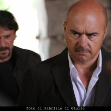 Davide Lo Verde e Luca Zingaretti nell'episodio La caccia al tesoro de Il commissario Montalbano