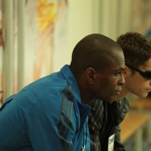 Seydina Baldé e Cyril Descours nel film La ligne droite