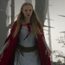 Amanda Seyfried nel fantasy horror Red Riding Hood