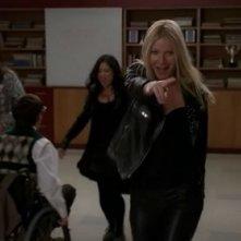 Gwyneth Paltrow in pista con i New Directions nell'episodio Sexy di Glee
