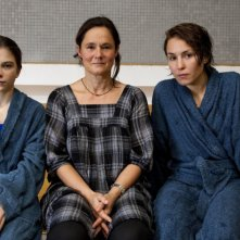 Pernilla August, Tehilla Blad e Noomi Rapace sul set del film Beyond