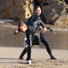 Una scena di lotta tra Gina Carano e Ewan McGregor in Haywire