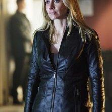 Elizabeth Mitchell nell'episodio Siege di V