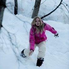 Emma Bell in una drammatica scena del film Frozen