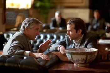 Robert De Niro e Bradley Cooper nel thriller Limitless