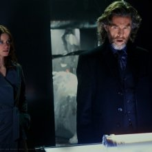 Cassidy Freeman e John Glover in una sequenza dell'episodio Scion di Smallville