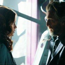 Luthor (John Glover) faccia a faccia con Tess (Cassidy Freeman) nell'episodio Scion di Smallville