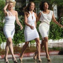 Minka Kelly, Rachael Taylor ed Annie Ilonzeh in una delle prime immagini dal set del reboot di Charlie's Angels