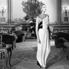 Una sensuale Simonetta Gianfelici in uno scatto di Gianpaolo Barbieri per dashmag.it