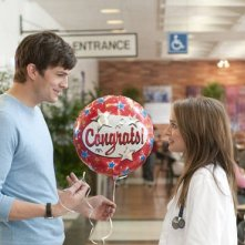 Ashton Kutcher innamorato di Natalie Portman in No Strings Attached