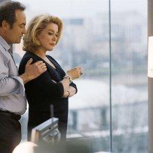 Gilles Cohen e Catherine Deneuve nel film Les yeux de sa mère