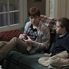Cameron Monaghan ed Ethan Cutkosky nell'episodio Killer Carl della serie Shameless