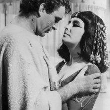 Elizabeth Taylor e Richard Burton in Cleopatra