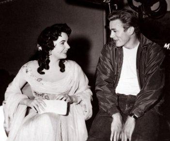 La Taylor e James Dean sul set de Il Gigante