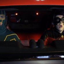 Kick-Ass (Aaron Johnson) e Red Mist (Christopher Mintz-Plasse), compagni d'avventura in Kick-Ass