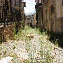 Il centro storico di Poggio Picenze nel film Ju tarramutu