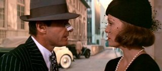 Jack Nicholson e Faye Dunaway in una scena di Chinatown