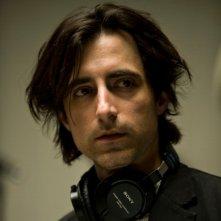 Il regista Noah Baumbach sul set di Greenberg