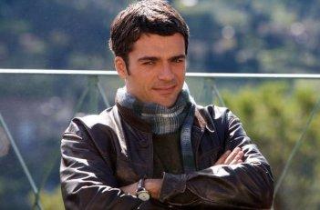 Luca Argentero, tra i protagonisti della commedia C'è chi dice no