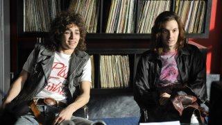 Ben Barnes e Robert Sheehan, protagonisti del film Killing Bono
