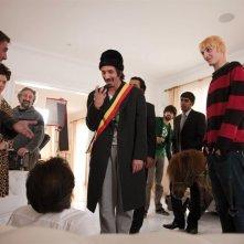Fabrice Adde in una scena della commedia Chez Gino