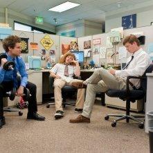 Blake Anderson, Anders Holm ed Adam Devine in una scena della serie Workaholics